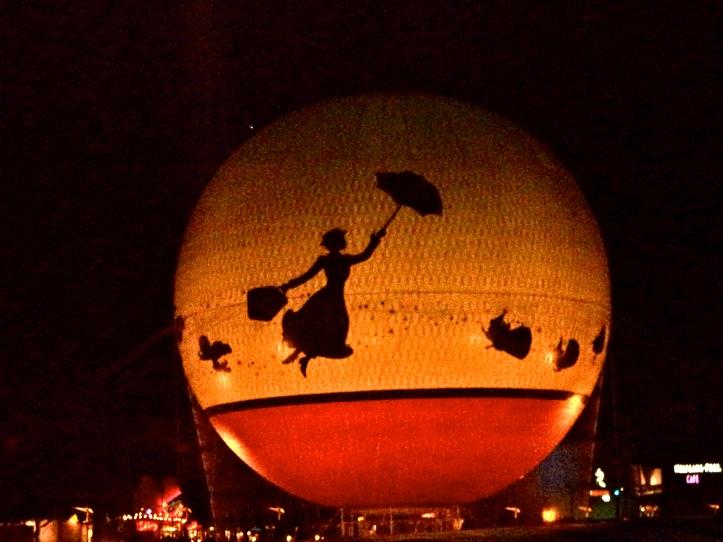Globo aerostático con Mary en Disneyworld