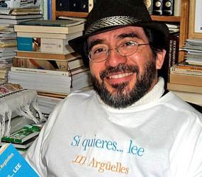 El autor, con una camiseta que declara lo que ha escrito en su libro ;)