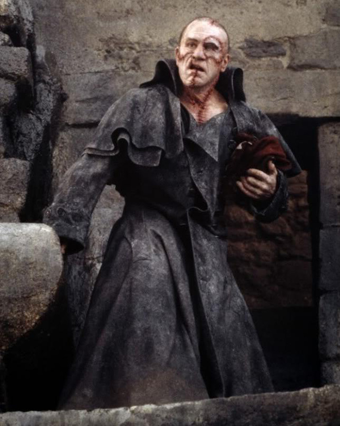 Robert de Niro interpretando a Frankenstein en 1994.
