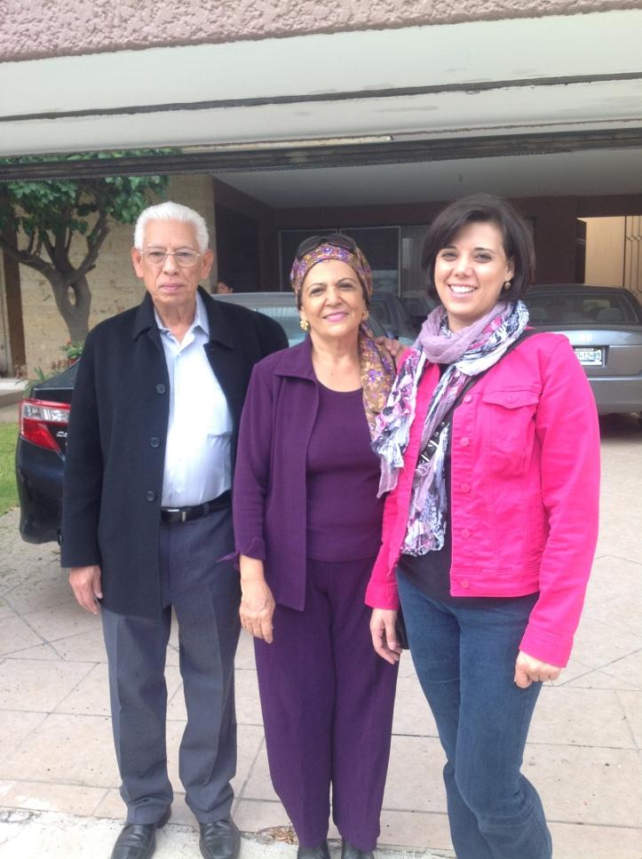 Mi papá, mi mamá y Gaby mi hermana. Ahh, la felicidad que dan las vacaciones.