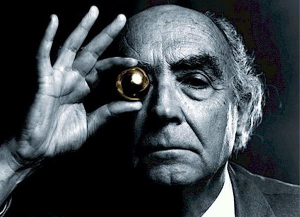 Saramago tenía un gran talento para describir lo que sucede en la sociedad actual a través de la ficción.