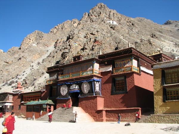 Monasterio de Tsurphy en el Tíbet.