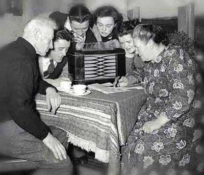 Quesque así estuvo el público que lo escuchó por radio.