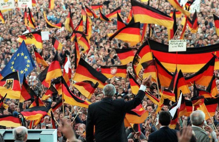 La reunificación alemana, como todos los cambios, provocó ansiedad y miedo en unos y esperanza y alegría en otros.