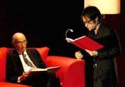 José Saramago y Gael García Bernal en el teatro Diana durante la FIL 2006.