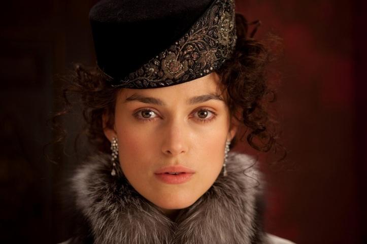 Kiera Knightley como Anna.