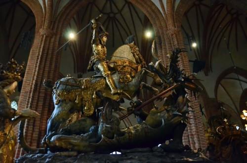 San Jorge y el Dragón, por el escultor Berndt Notke en Estocolmo,  Suecia. (Catedral Storkyrkan)