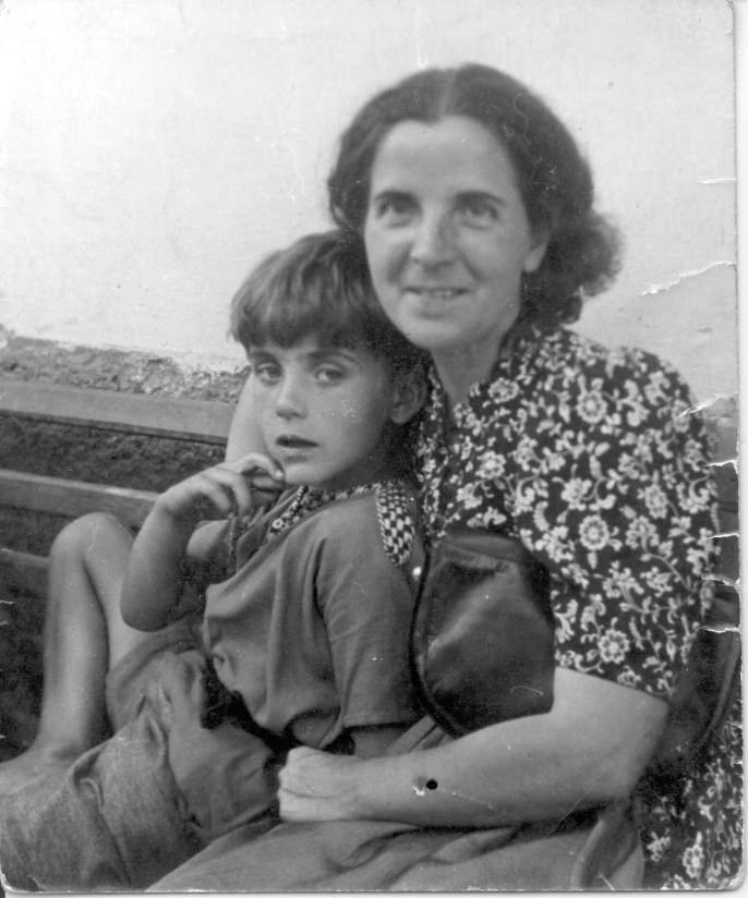 Michael Ende con su mamá.